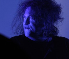 150-minute almost non-stop show not enough for The Cure at Frequency Festival